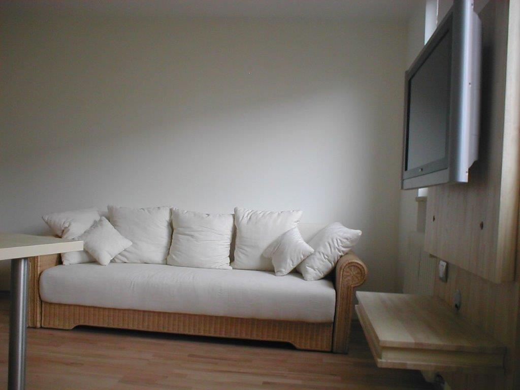 toscana r19 geemuetliche couchecke m bliertes wohnen m nchen. Black Bedroom Furniture Sets. Home Design Ideas